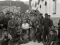 GRUPOS DE MILICIANOS CON SUS ARMAS EN LA LOCALIDAD DE ALEGIA. (Foto 7/10)