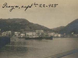 Vista desde el puerto de Buenavista de Pasai San Pedro, en primer término, y Pasai Donibane a la derecha de la imagen