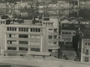 Pasai San Pedro y de los tejados de la Autoridad Portuaria en Herrera desde Buenavista