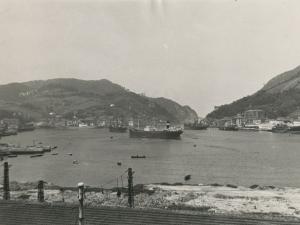 Vista de la salida del puerto de Pasaia realizada desde el puerto de Lezo