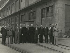 El homenajeado, Francisco Echenique, junto a una serie de personajes