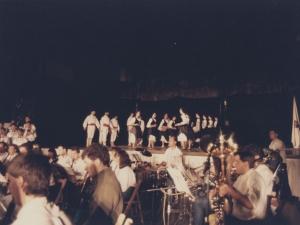 Fiesta celebrada, en la que la Orquesta de Pasaia y unos dantzaris ofrecen su actuación