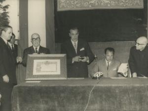 Acto de entrega del diploma de hijo predilecto de Pasaia a Luis Morales Oliver