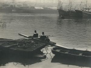 Arraunlaris en el puerto de Pasaia