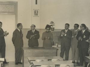 Autoridades asistentes a la inauguración de la escuela