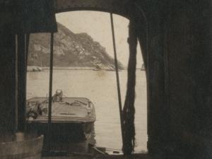 Vista desde el barco dragadora Jaizkibel hacia Pasai San Pedro