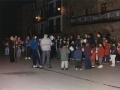 Herriko talde bat plazan abesten Santa Ageda bezperan