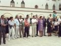 Asistentes a los actos en homenaje a dos religiosas, junto a la iglesia de las Hermanas Hospitalarias