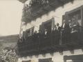 Festejos celebrados con motivo de las Fiestas Euskaras y Patronales : las autoridades presenciando los ejercicios escolares