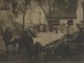 Grupo de hombres en comida al aire libre en Ordizia
