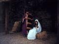 San José y la Virgen María con el Niño Jesús en un Belén viviente