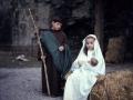 San José y la Virgen María con el Niño Jesús en un Belén viviente infantil