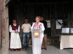 Maria Jesus Aranburu, Diputada de Cultura y Euskera en la inauguración de la Semana de la Sidra en Igartubeiti