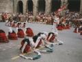 Ikurriñaren dantza herriko plazan