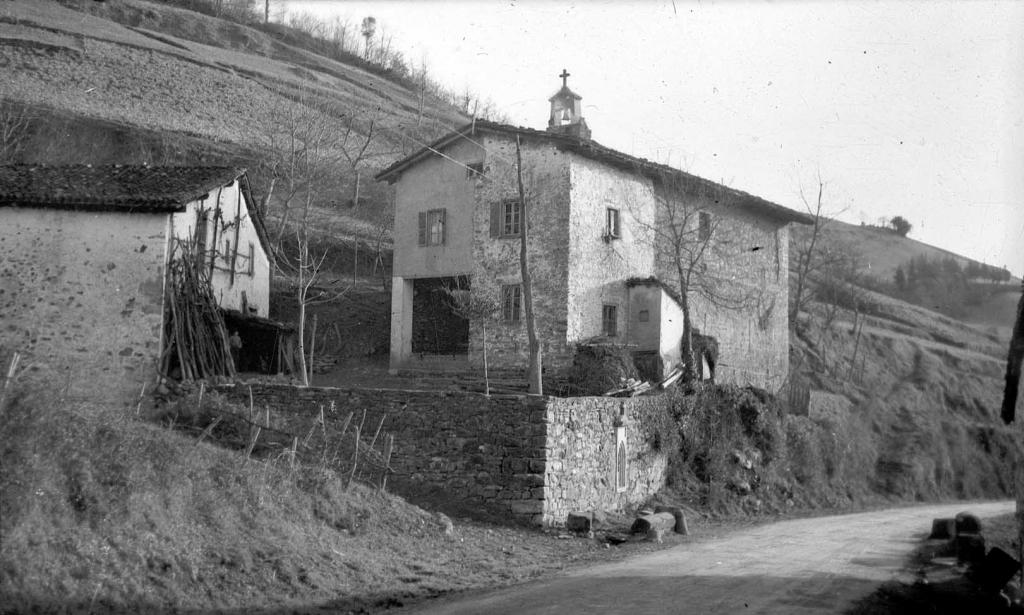 """Anguiozar. Ermita de S. Cristobal"""
