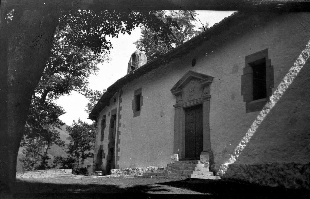 """Anguiosar. Ermita de Elizamendi"""