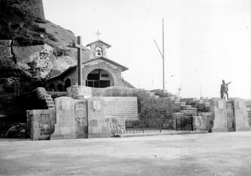 """""""S. Sebastian. Monumento de los caidos en Baleares"""""""