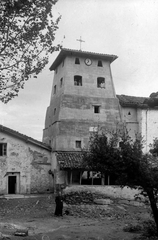 """Aguinaga (Eibar). La segunda torre de Aguinaga que fue derribada"""