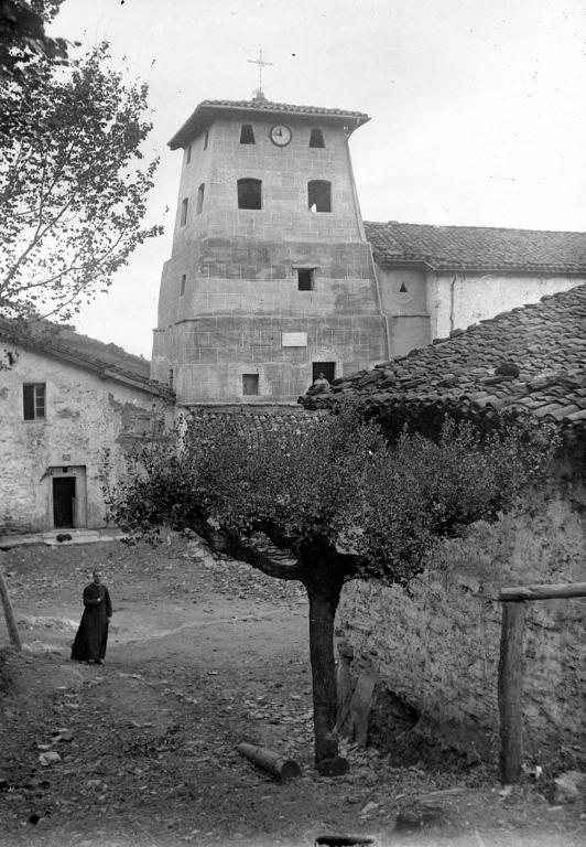 """Aguinaga (Eibar). La segunda torre de la Iglesia de Aguinaga (Eibar)"""