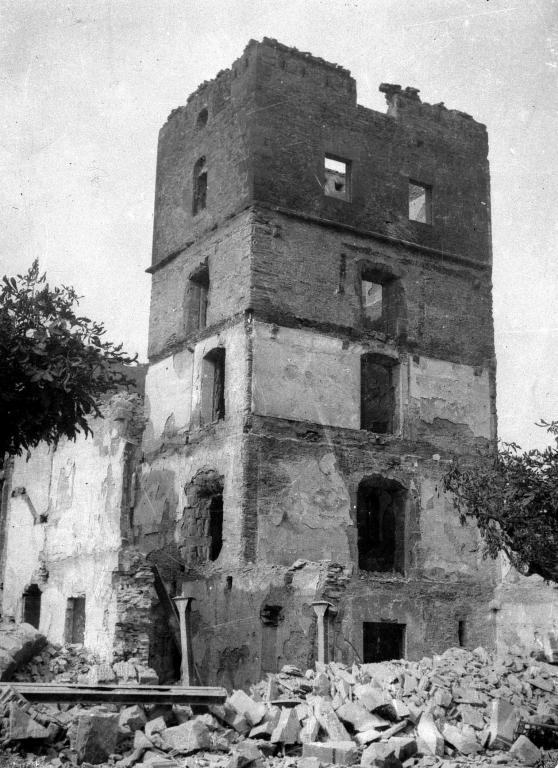 Ruinas del palacio Kontadorekua después del bombardeo