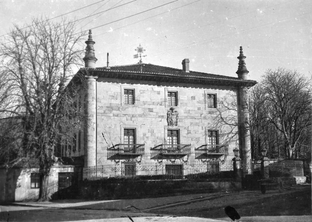 Casa torre del marques de Tola de Gaitan.