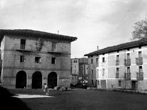 """""""Cizurquil. Vista parcial. El Ayuntamiento y Torre Parroquial"""""""