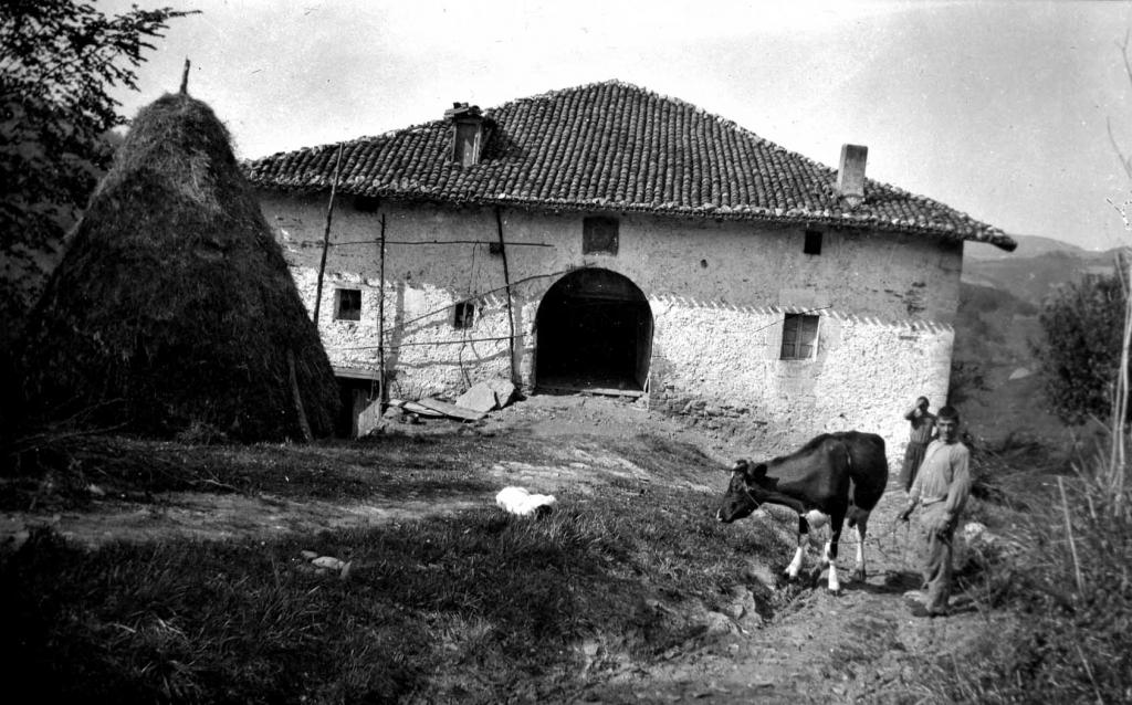 """""""Aya (Guipuzcua). Caserio Gorostiola"""""""