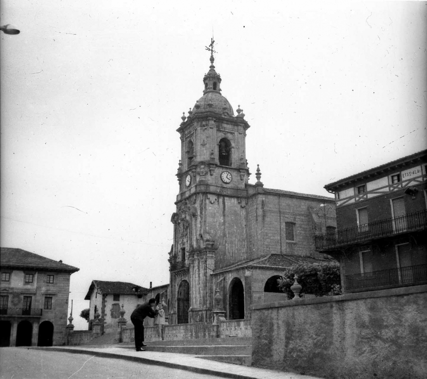 """Andoain. Iglesia Parroquial"""