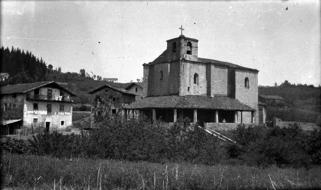 """""""Sorabilla (Andoain). Vista del barrio Sorabilla y la Iglesia"""""""