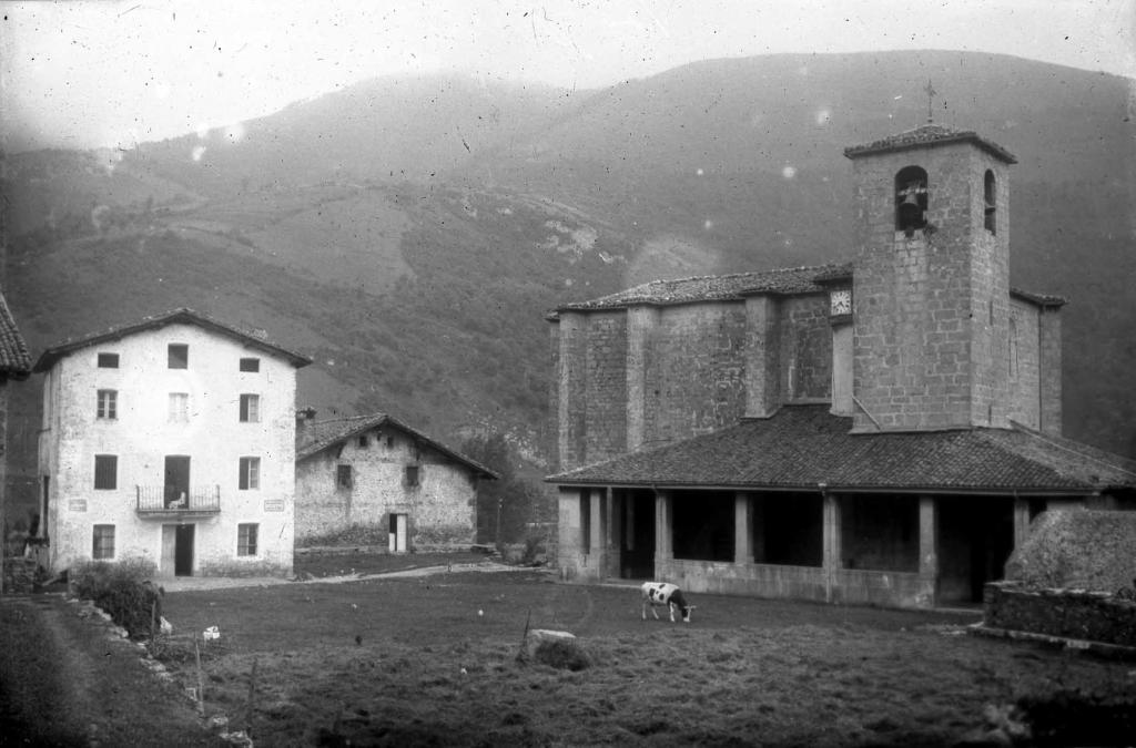 """""""Anoeta. Iglesia Parroquial"""""""