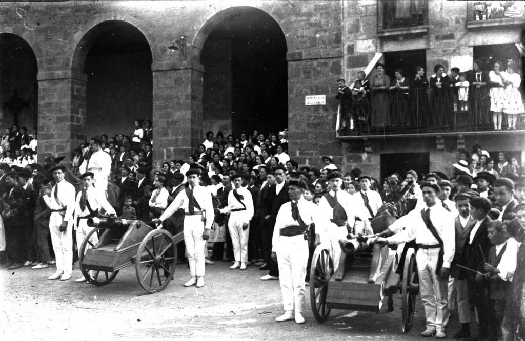 """""""Anzuola. Artilleria de la fiesta conmemorativa de la batalla de Valdejunquera"""""""
