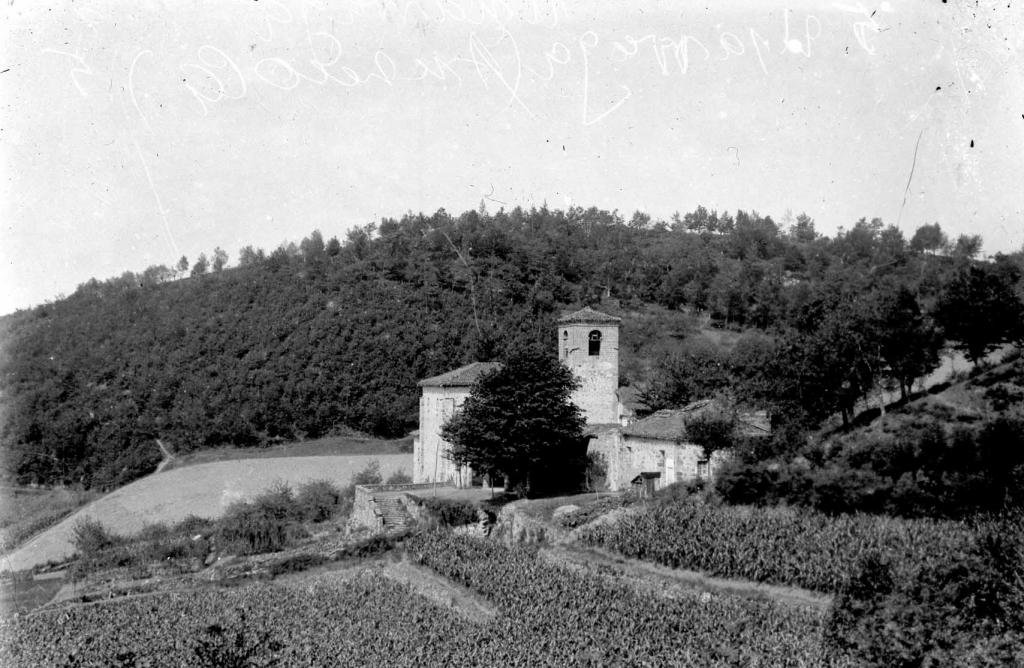 """""""Usarraga (Anzuola). La Iglesia de Usarraga (Anzuola)"""""""