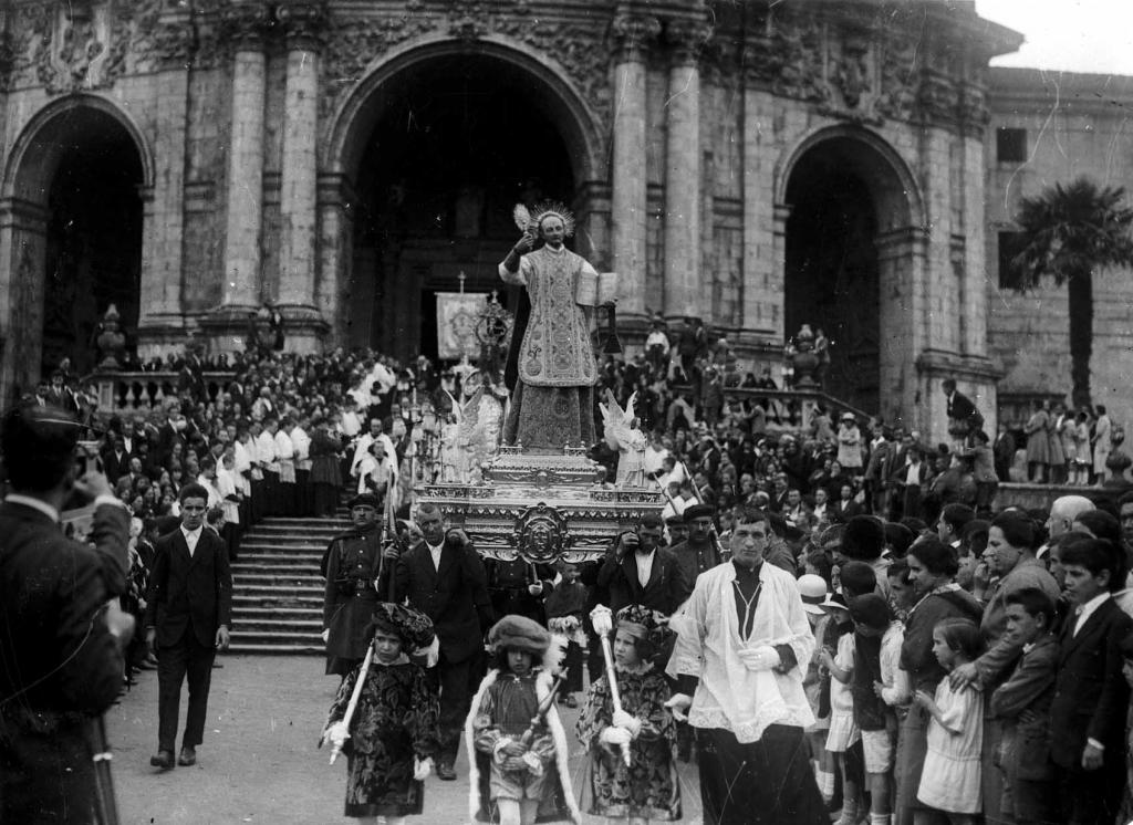 Salida de la procesión de Loiola