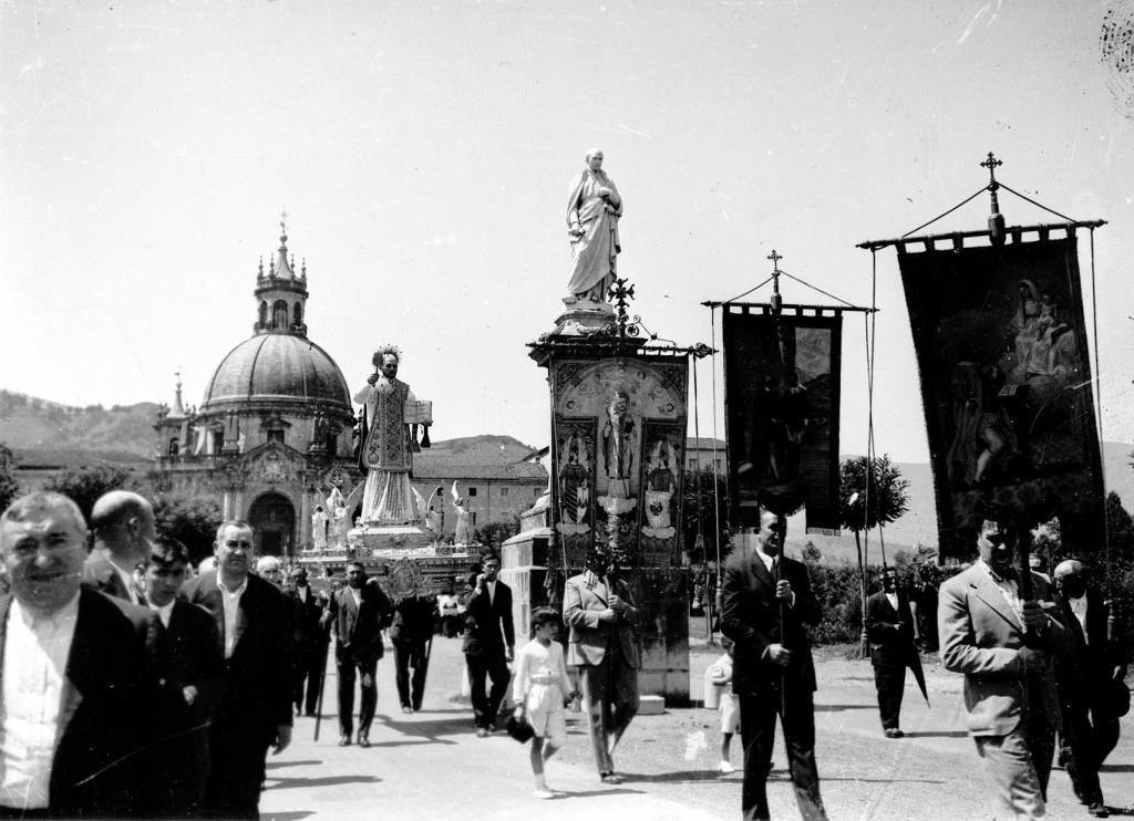 """""""Loyola. Salida de la Procesión hacia Azpeitia"""""""