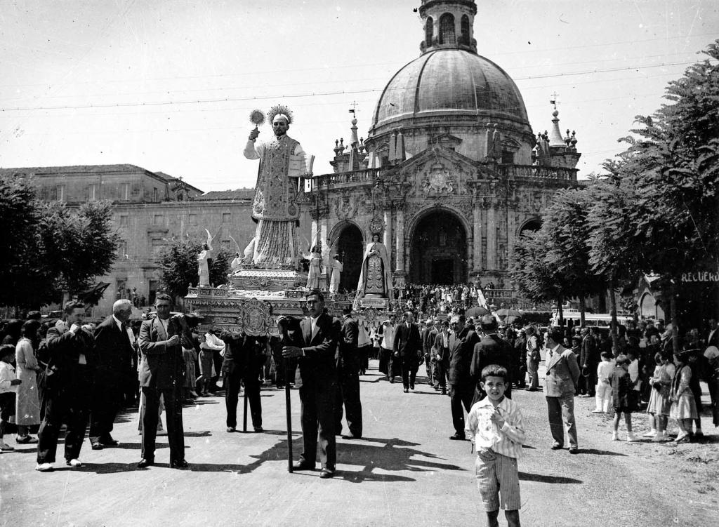 """""""Loyola (Azpeitia). Tradicional procesion de Loyola hacia Azpeitia"""""""