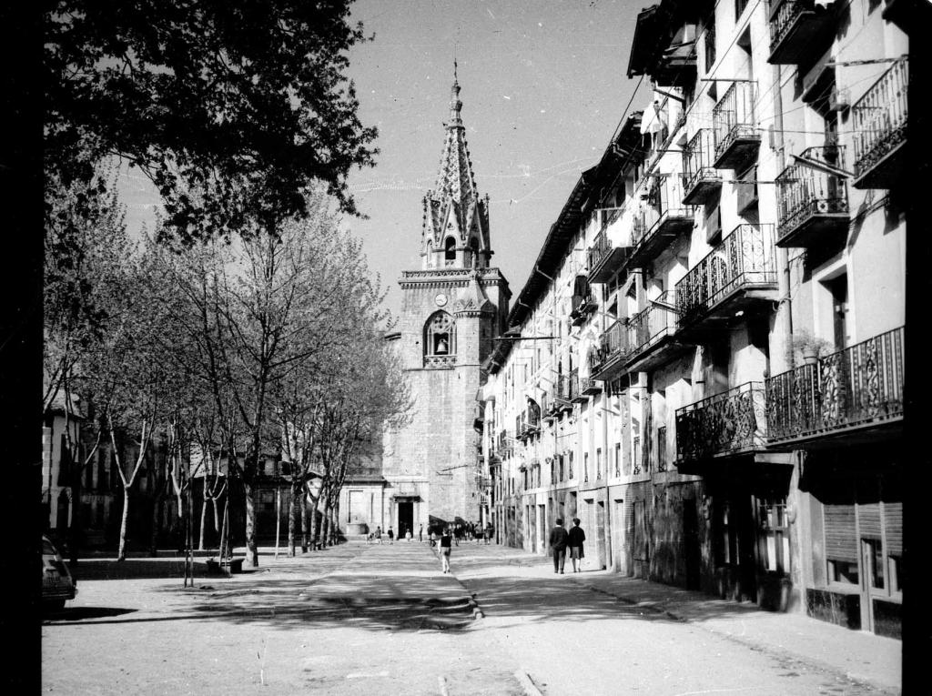 """Azpeitia. Iglesia Parroquial"""
