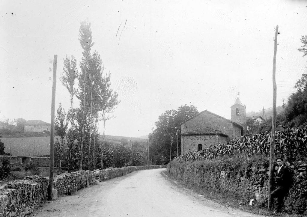 """""""Oxintxu - Los Martires (Vergara). Paisaje con la Torre de la Iglesia Parroquial"""""""