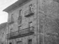 Casa del conde Del Valle, fundada por D. Pedro de Iturriburguinas y escudo Iturri.