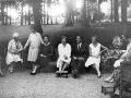 """""""Eibar. La reina Vitoria con sus hijas en Markeskua"""""""