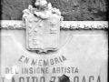 Eibar. Inazio Zuloaga margolari handia jaio zen tokiko oroitarriaren armarria.