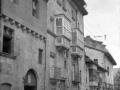 Casa propiedad de la condesa de Torreantigua, fundada por D. Tomas de Urquizuiturbe y su escudo