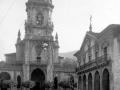 """Elgoibar. Torre de la Iglesia Parroquial y la Casa Consistorial"""