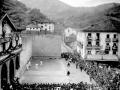 Partido de pelota en el frontón de Elgoibar durante las fiestas de San Bartolomé