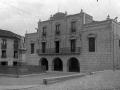 """""""Motrico. El Ayuntamiento y la Estatua de Churruca"""""""