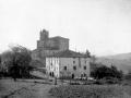 Vista de Olaberria, con la casa consistorial y la iglesia