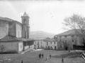 """Orendain. La Iglesia Parroquial y la Plaza"""
