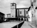 Iglesia de la Asunción de Nuestra Señora y la plaza de Aizarna (Zestoa)