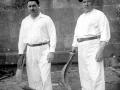 Enrique Embil y Víctor Embil, su padre