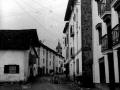 """""""Andoain. Una calle con Torre de la Iglesia al fondo"""""""