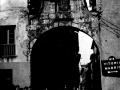 """""""Mondragon. Una de las antiquisimas puertas de la entrada a Mondragon"""